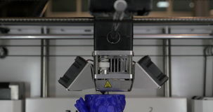 Закройте вверх по взгляду модели печатания пластичной на принтере 3D в процессе