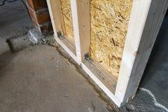 Закройте вверх по детали элементов стены конструкции дома деревянных Inte Стоковая Фотография RF