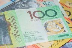 Закройте вверх по деньгам примечаний австралийца макроса Стоковое фото RF
