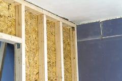 Закройте вверх по детали элементов стены конструкции дома деревянных Inte Стоковые Фото