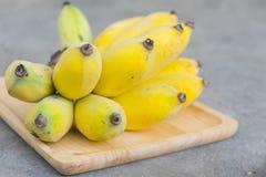 Закройте вверх по желтому банану Стоковые Изображения RF