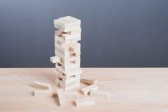 Закройте вверх по игре блоков деревянной на предпосылке деревянного стола Стоковое фото RF