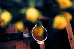 Закройте вверх по изображению профессионального нержавеющего бака кофе Стоковая Фотография RF