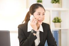 Закройте вверх по изображению снятому дамы работника офиса Стоковые Фото