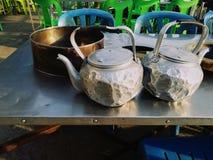Закройте вверх по изображению старого и передернутого бака чая Стоковое Изображение RF