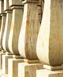Закройте вверх по мраморным столбцам балясины стоковое изображение rf