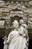Закройте вверх по порталу девой марии, Нотр-Дам de Парижу, Ile de Ла Цитировать, Парижу Франции стоковое изображение rf