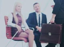 Закройте вверх по портрету бизнес-леди с портфелем Стоковые Изображения