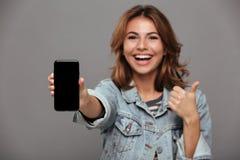 Закройте вверх по портрету счастливого веселого девочка-подростка Стоковое Изображение
