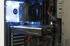 Закройте вверх по случаю компьютера башни midi внутренности взгляда открытому Стоковые Фотографии RF