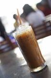 Закройте вверх по холодному latte стоковое изображение rf