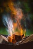 Закройте вверх пламен лагерного костера Стоковое фото RF