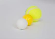 Закройте вверх различных установленных шариков спорт Стоковая Фотография