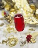 Закройте вверх рождественской елки со стеклянной безделушкой стоковые изображения