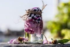 Закройте вверх розовой воды Стоковые Изображения