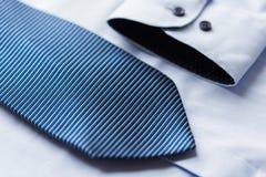 Закройте вверх рубашки и сделанной по образцу синью связи Стоковая Фотография RF