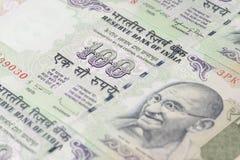 Закройте вверх 100 рупий Стоковая Фотография