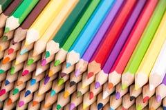 Закройте вверх смотреть на фронта кучи карандашей цвета Стоковая Фотография RF