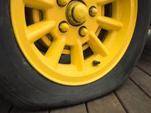 Закройте вверх спущенной шины Стоковое фото RF