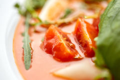 Закройте вверх супа гаспачо на ресторане Стоковая Фотография RF