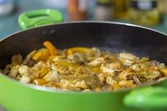Закройте вверх тушёного мяса мяса с овощами Стоковые Изображения