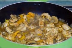 Закройте вверх тушёного мяса мяса с овощами Стоковое Фото