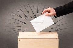 Закройте вверх урны для избирательных бюллетеней и решающего голоса Стоковые Изображения