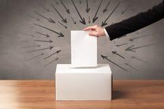 Закройте вверх урны для избирательных бюллетеней и решающего голоса Стоковое Изображение RF