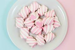 Закройте вверх, фото взгляд сверху вкусного yummy розового и белого marsmallo Стоковая Фотография RF
