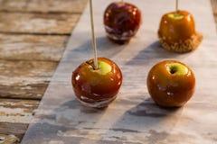 Закройте вверх caramelized яблока Стоковая Фотография