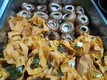 Закройте вверх tartlets сыра и грибов каштана Стоковое Фото