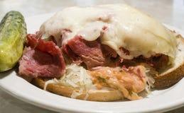 закройте reuben сандвич вверх Стоковая Фотография RF