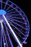 Закручивая колесо ferris на свете ночи Стоковое фото RF