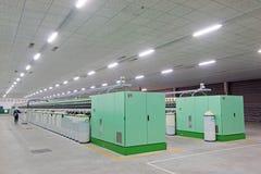 Закручивая машины и оборудование завода Стоковые Фотографии RF