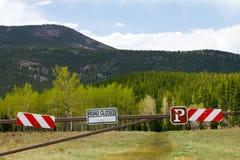 закрынный outdoors дорожный знак Стоковые Фото