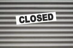 Закрытая дверь штарки знака Стоковые Изображения