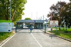 Закрытая граница в Roeszke к Сербии в Венгрии Стоковые Изображения RF
