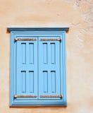 закрытое окно штарок стоковые изображения