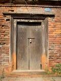 закрытые двери Стоковые Изображения