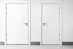 закрытые двери 2 Стоковое Изображение