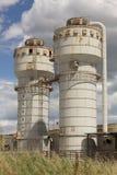 Закрытые силосохранилища фабрики Стоковая Фотография RF