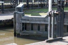 Закрытые закрытые шлюзные ворота Стоковая Фотография RF