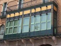 Закрытый арабский балкон стиля, Фигерас, Испания Стоковая Фотография RF