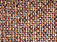 Закрытый вверх квадратной текстуры красочной картины Weave Стоковые Фотографии RF
