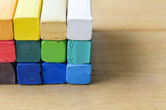 Закрытый вверх по красочному мелу для предпосылки Стоковое Изображение RF