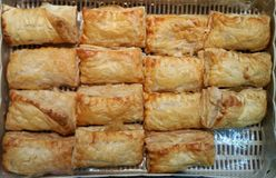 Закрытый вверх по пирогам ананаса в корзине Стоковая Фотография
