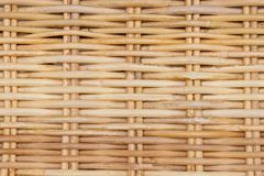 Закрытый вверх текстуры ротанга картины Weave корзины Стоковые Фотографии RF