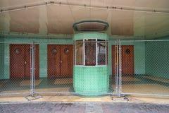 Закрытый вход театра площади в Ларедо Техасе стоковые фотографии rf
