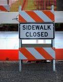 закрытый знак тротуара Стоковое фото RF