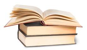 2 закрытых раскрытые книги и одна Стоковое фото RF